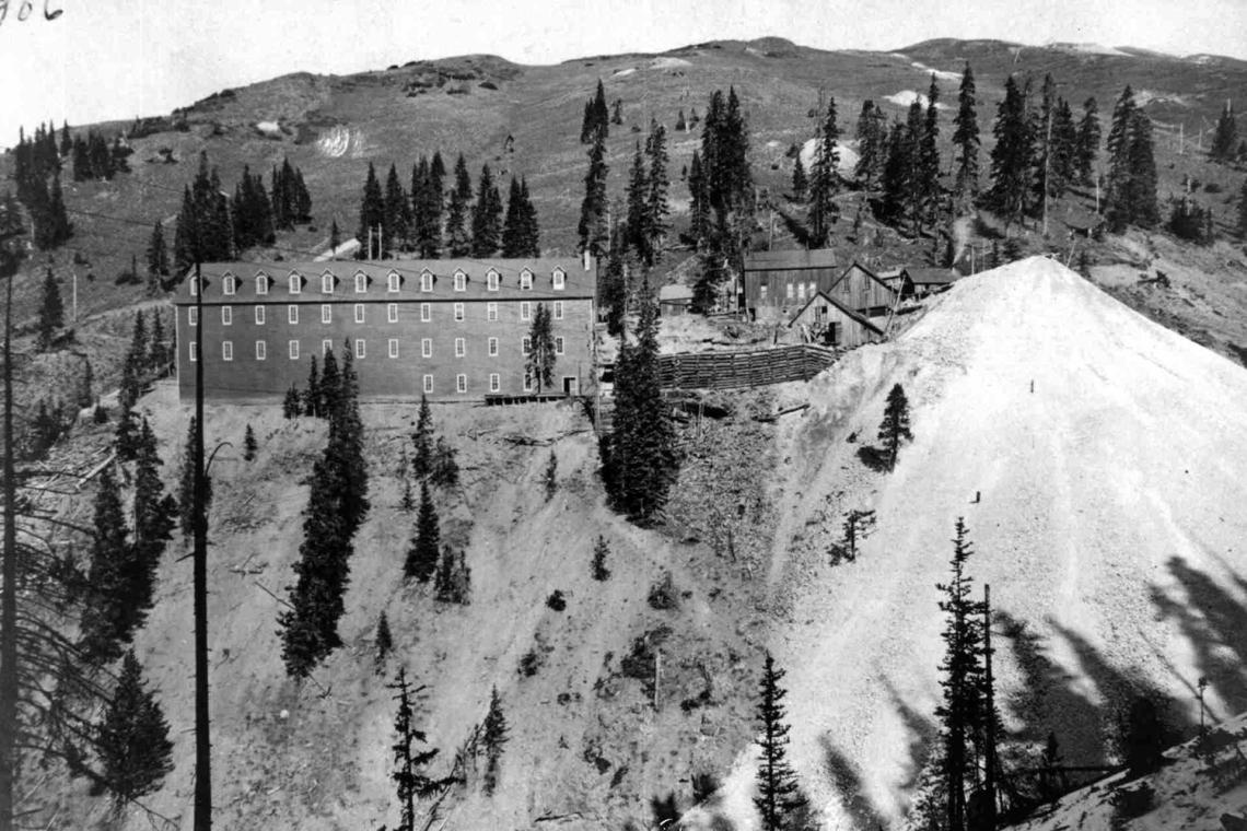 1906GoldKingBoardingHouse